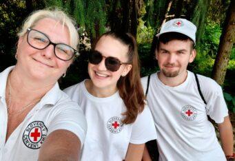 Zdravotné služby a ukážky prvej pomoci počas letných mesiacov