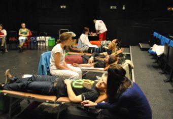 Valentínska kvapka krvi 2011 – darovanie krvi s Marekom Majeským